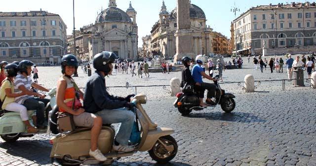 Tour de Vespa em Português